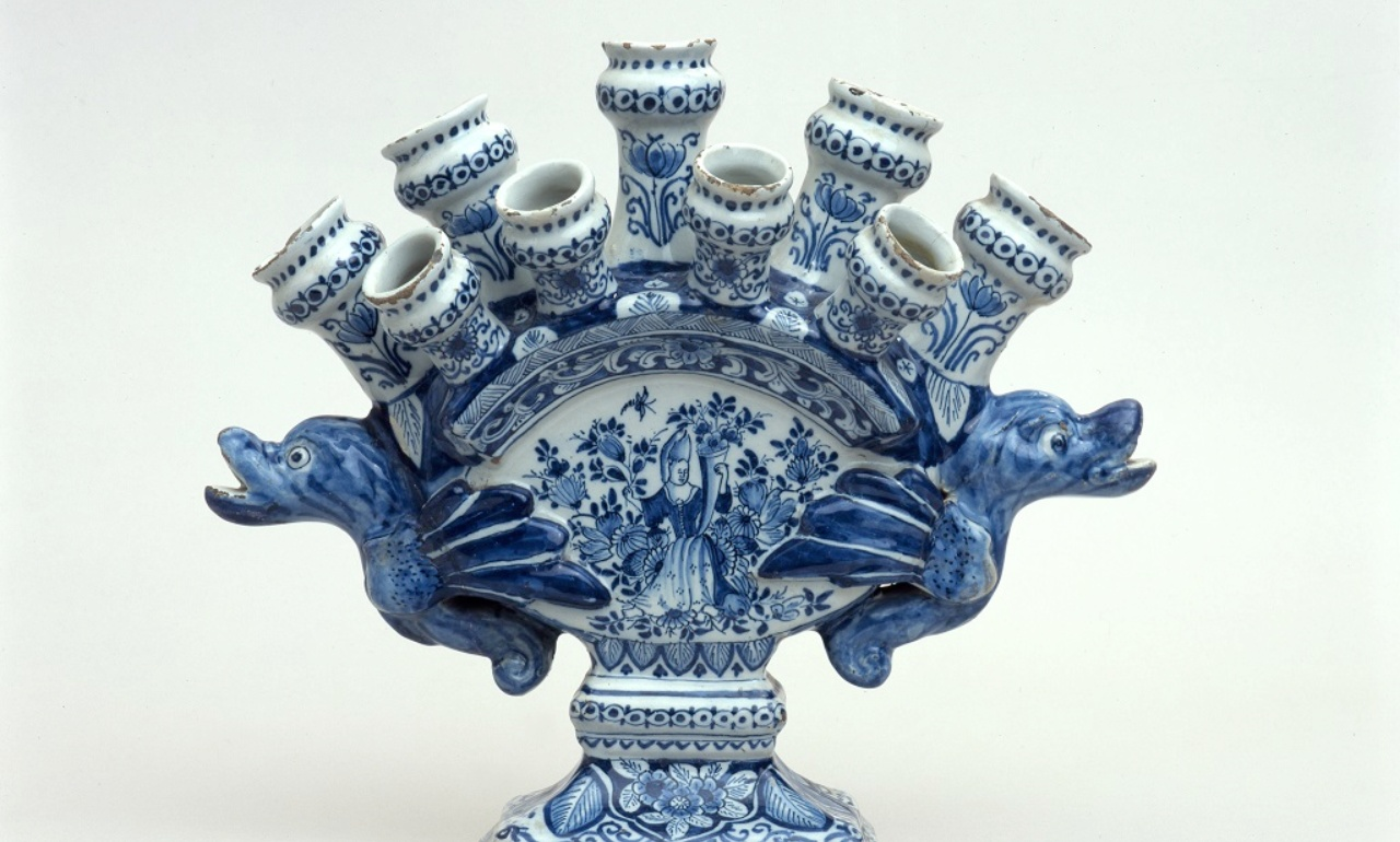Tulip vase from Delft, Workshop De metale Pot, around 1700